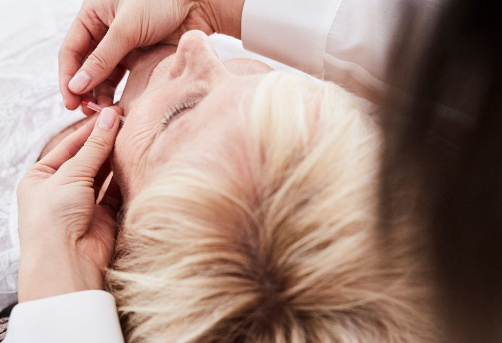 What does Cosmetic Acupuncture feel like?